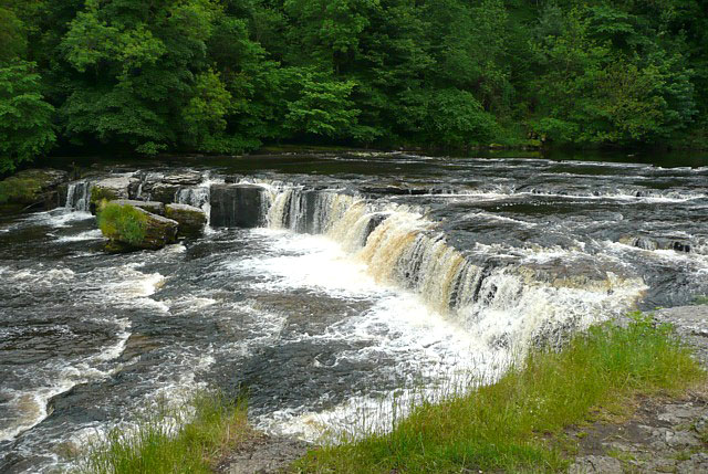 Aysgarth Falls; Copyright Humphrey Bolton and licensed for reuse under this Creative Commons Licence